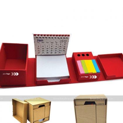 Personalized Red Pandora Folding Set
